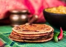Gujarati Style Bhakri Recipe