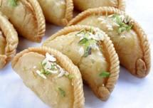 How to make Gujhiya Recipe