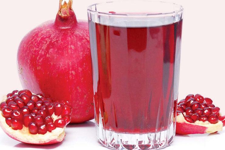 Fresh Pomegranate Juice with Ginger Recipe