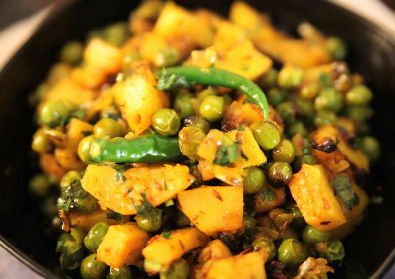 Quick and Easy Aloo Matar Recipe