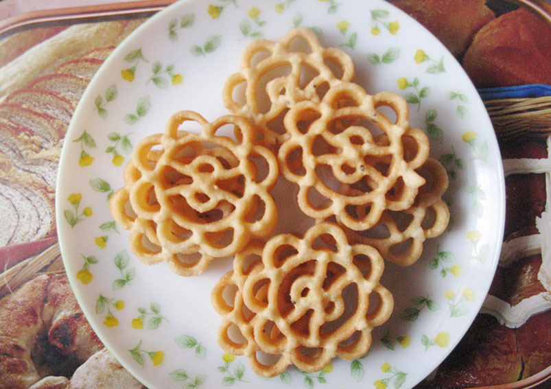Tasty and Easy Rose Cookies Recipe