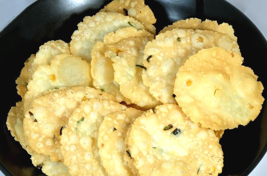Healthy Baked Thattai (Savory Crackers) Recipe