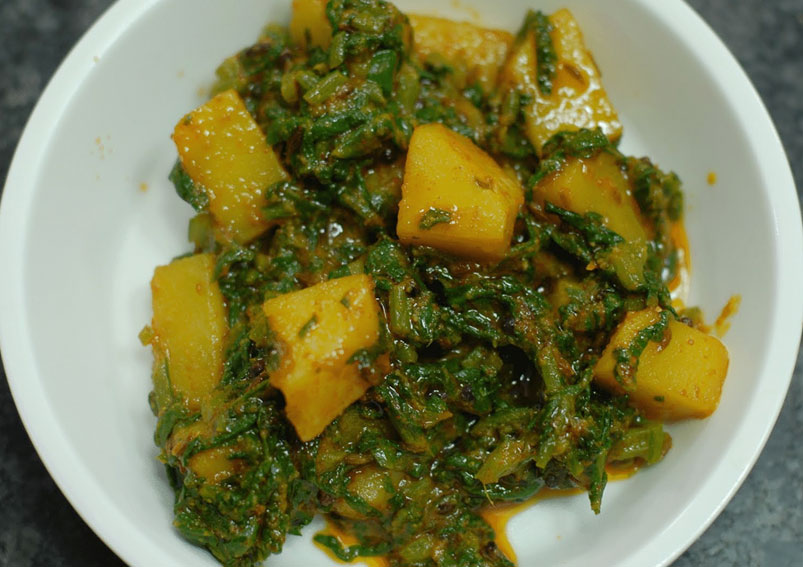 Healthy and Best Aloo Palak Recipe