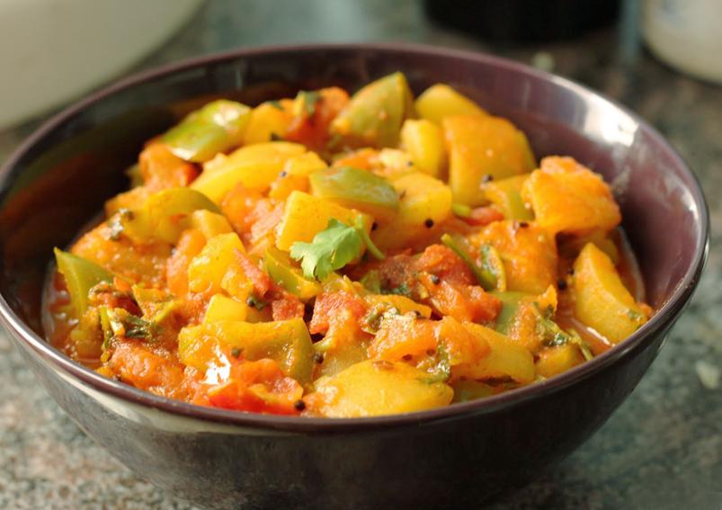 Tasty Pineapple Capsicum and Tomato Sabzi Recipe